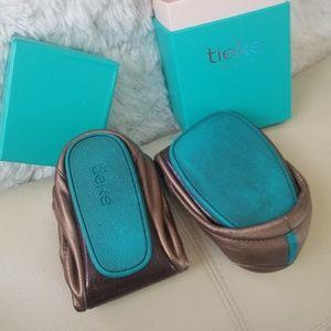 Tieks Shoes - Tieks size 8 bronze